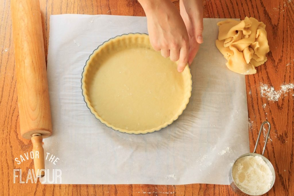 How to Line a Tart Pan: the easy way to perfectly line a loose-bottomed tart pan.   www.savortheflavour.com