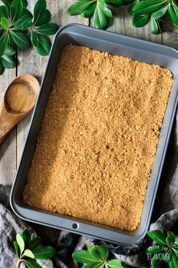 graham cracker base for no bake cherry cheesecake