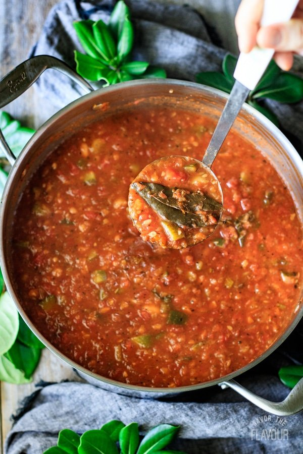 removing bay leaves from minestrone soup