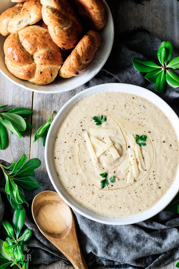bowl of roasted cauliflower soup