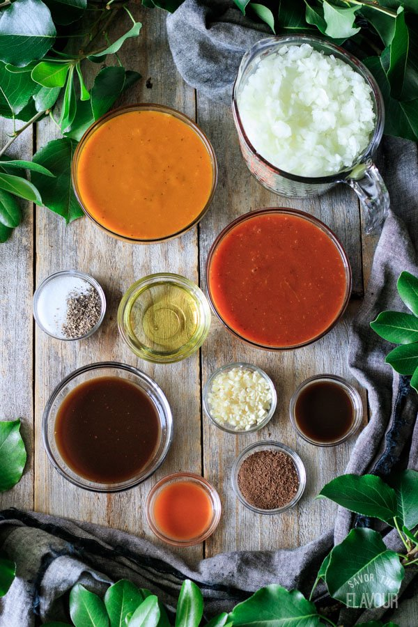 spices and aromatics for Brunswick stew