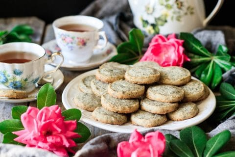 two cups of tea with Earl Grey shortbread cookies