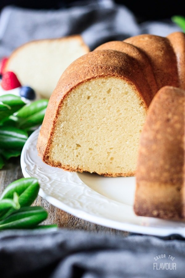 closeup of sour cream pound cake