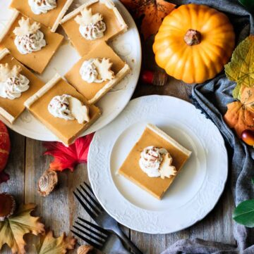 pumpkin pie bars on plates