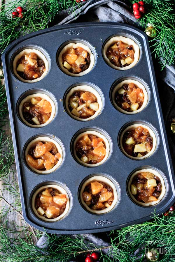 unbaked mincemeat tarts without pastry tops