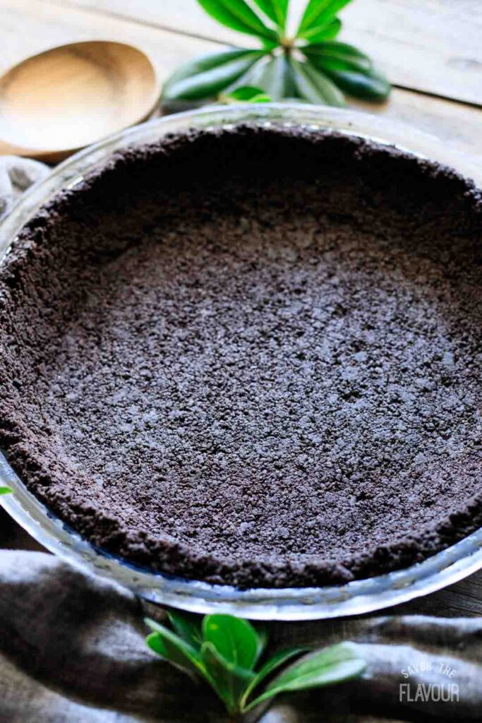 closeup of an Oreo pie crust