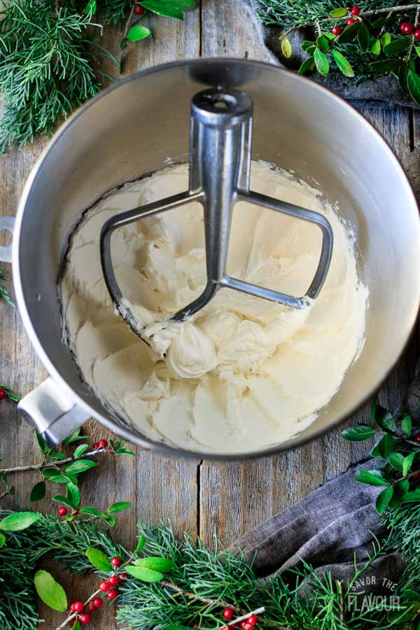 beaten cream cheese mixture