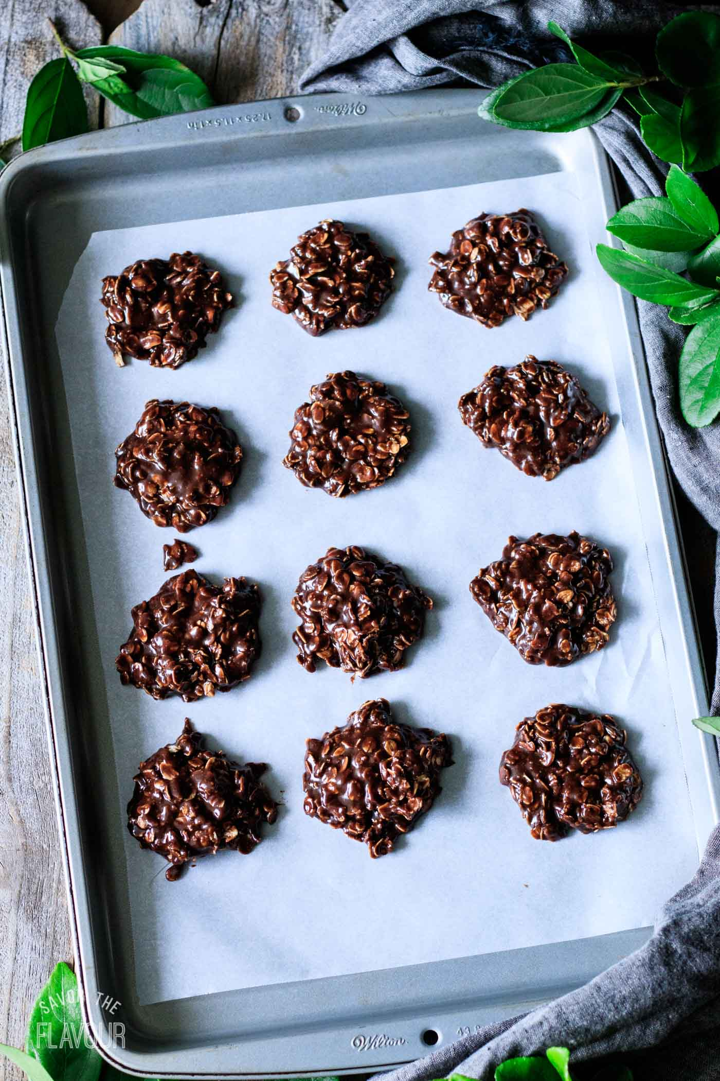 no bake chocolate oatmeal cookies before they've set