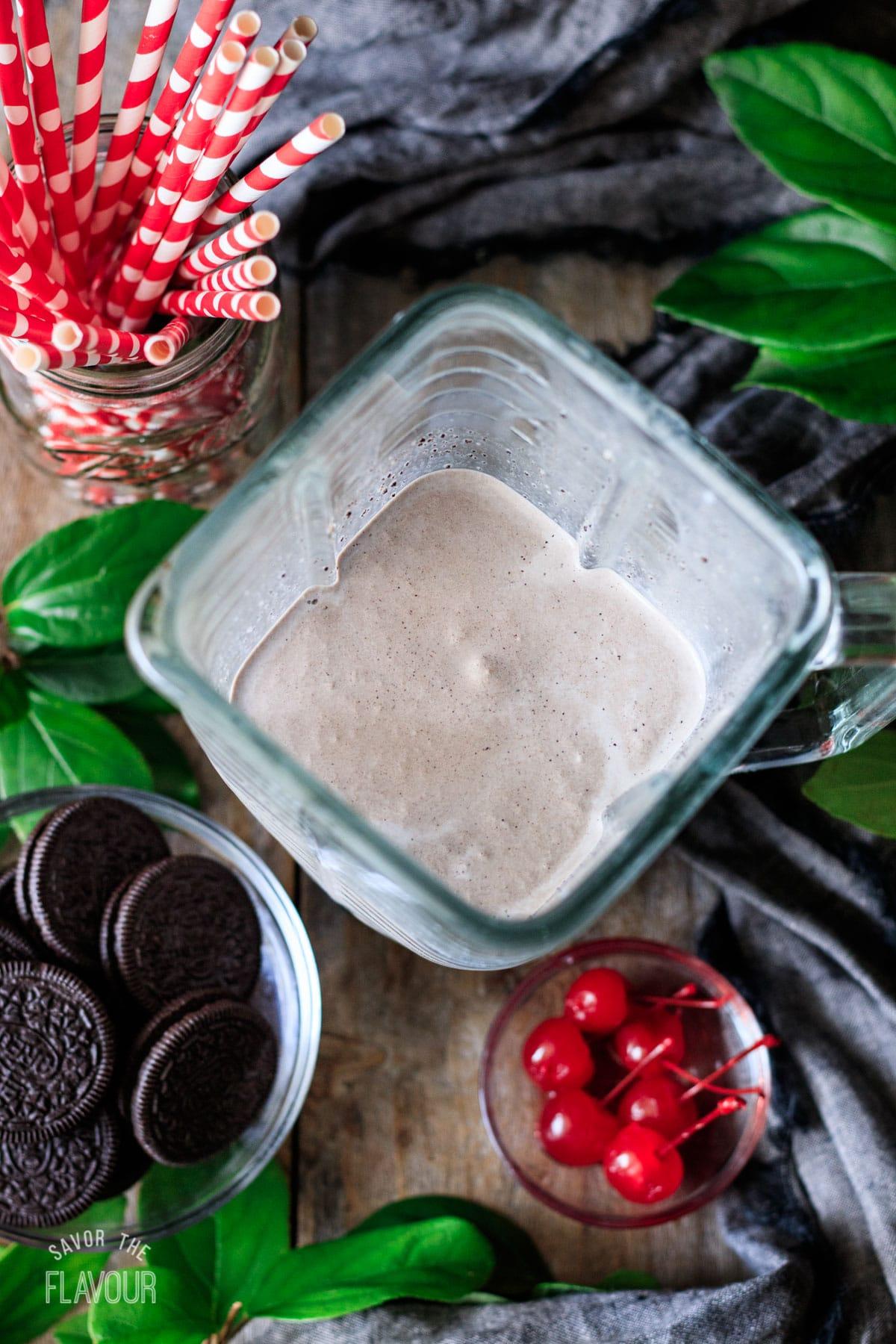 blended Oreo milkshake