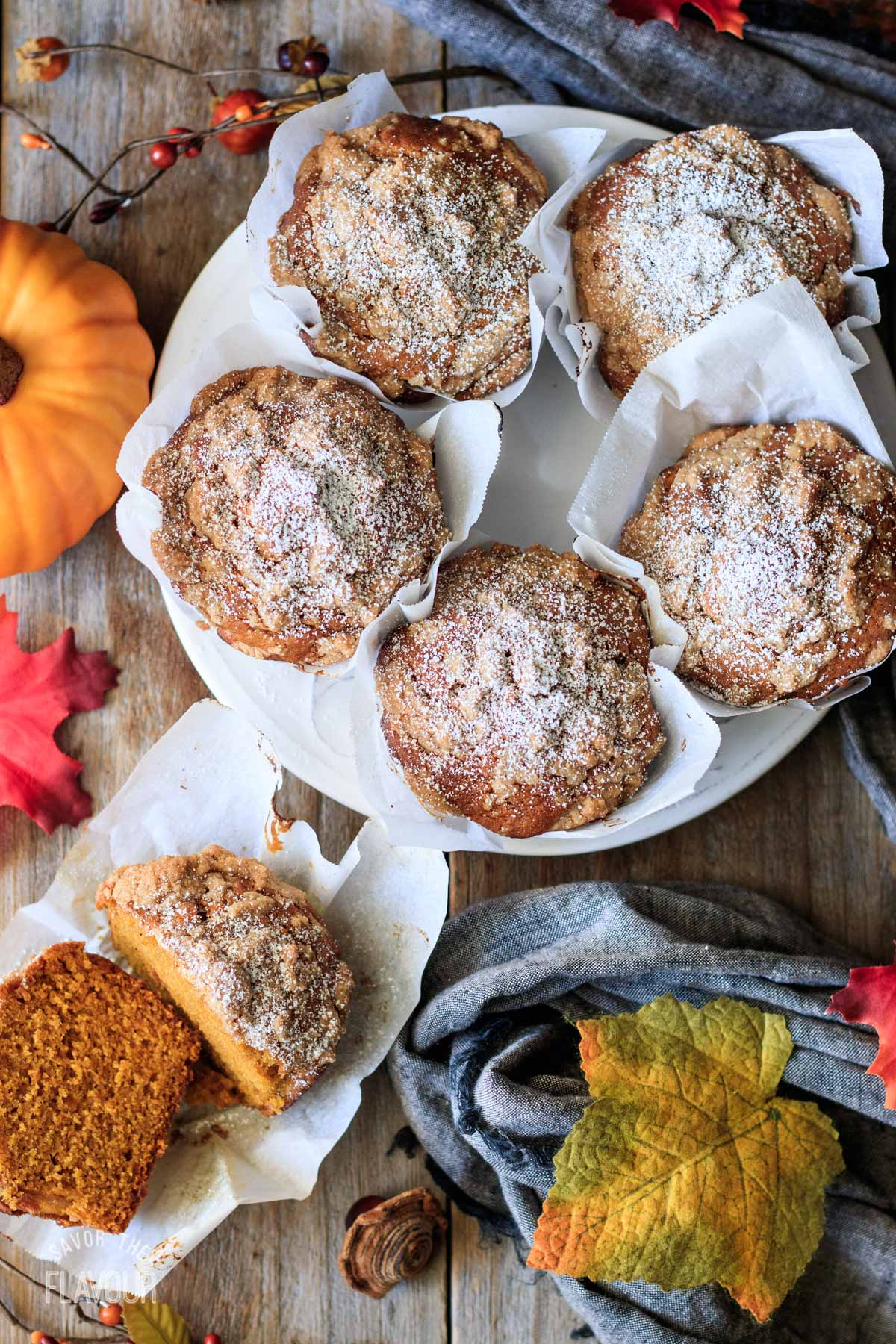white plate of Panera pumpkin muffins